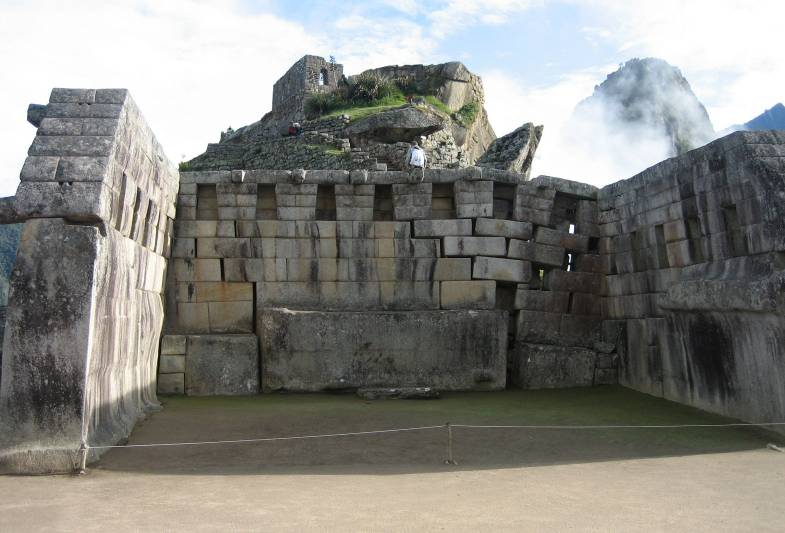 machu picchu main temple