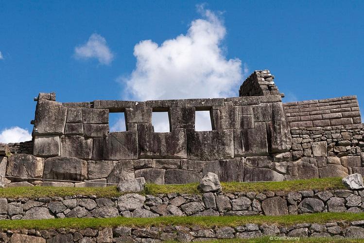 machu picchu temple three windows