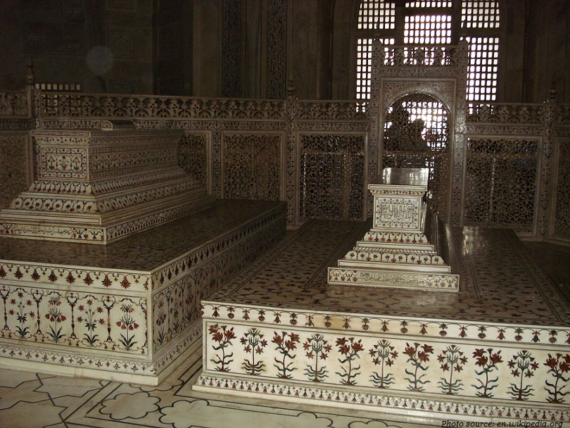 taj mahal sarcophagi