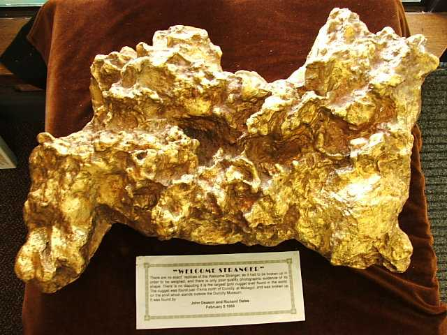 largest gold nugget welcome stranger replica