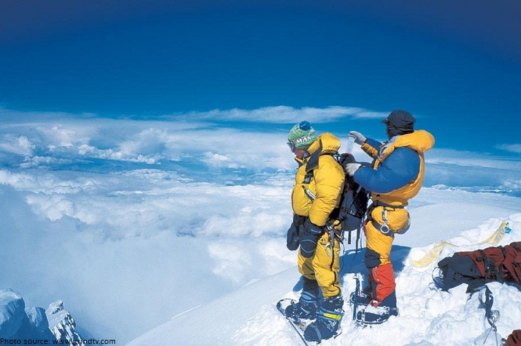 mount everest snowboard