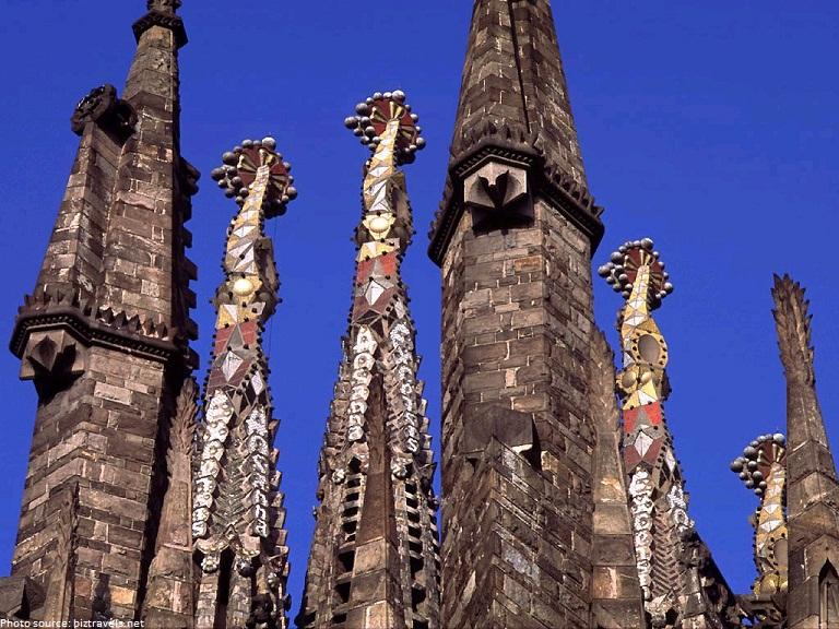 sagrada familia spires