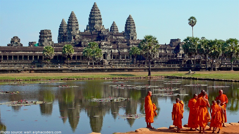 temple angkor wat monks