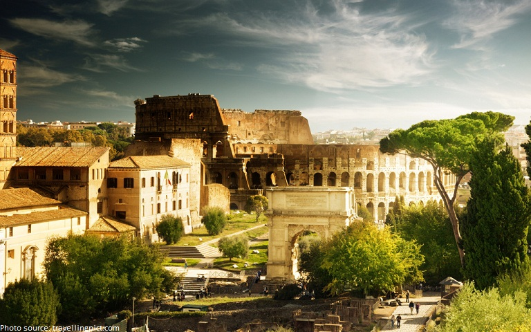 the colosseum of rome taly