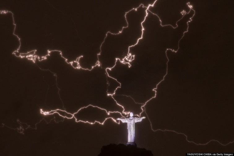 Christ the Redeemer lightning