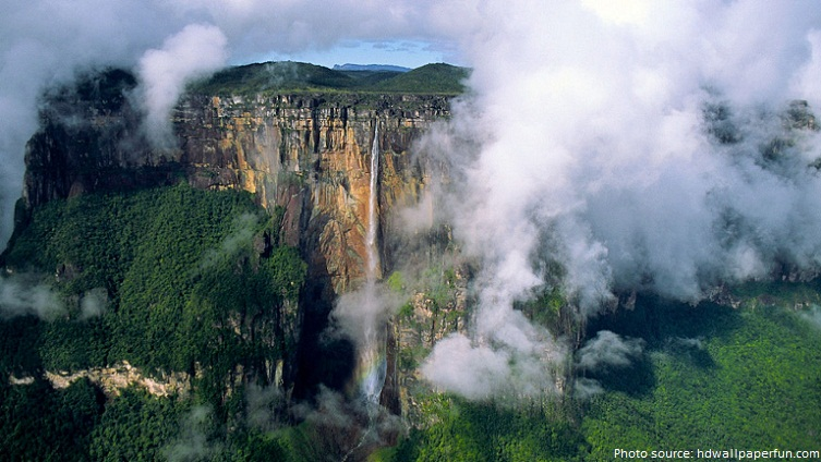 angel falls clouds