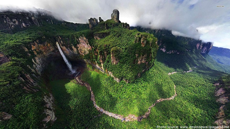 angel falls from above