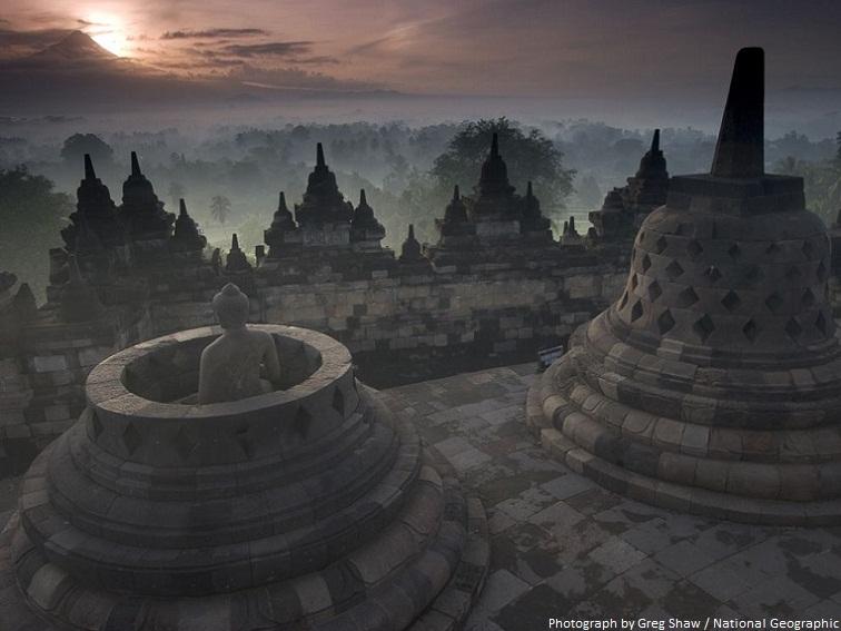 borobudur budha inside stupa