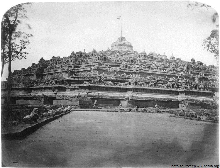 borobudur first photograph