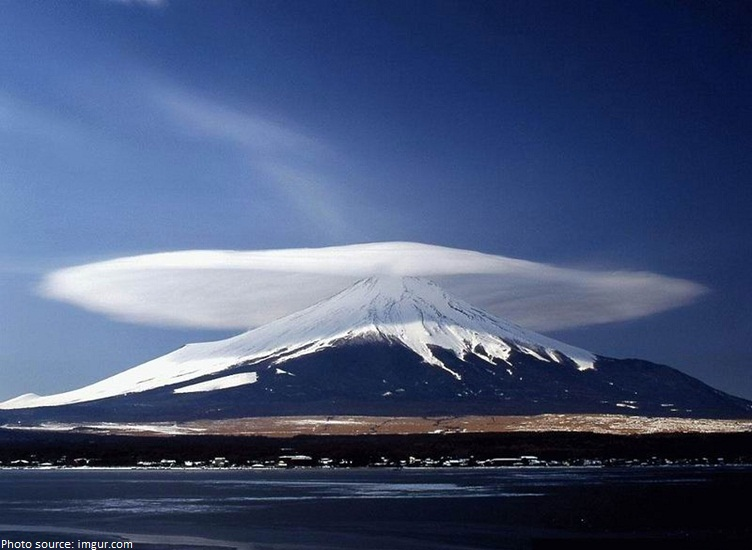 lenticular clouds over mount fuji