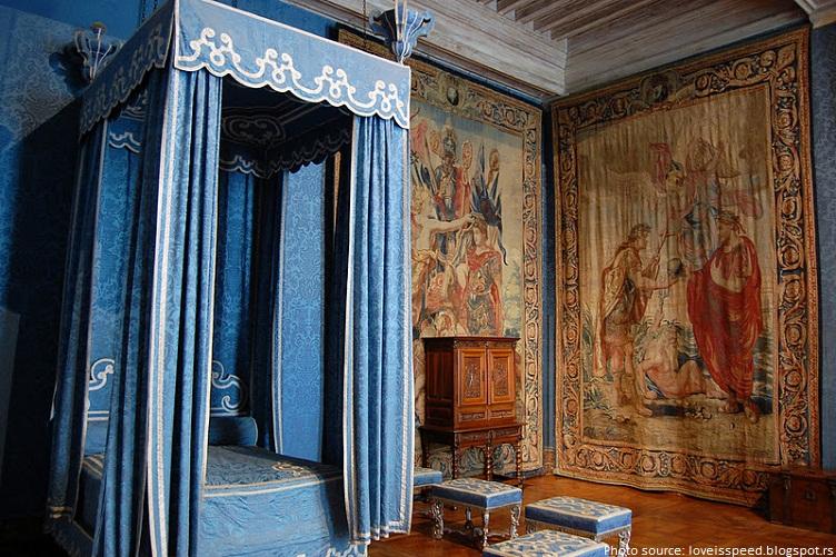 chateau de chambord queen bedroom