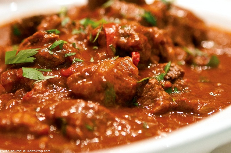 hungarian national dish goulash