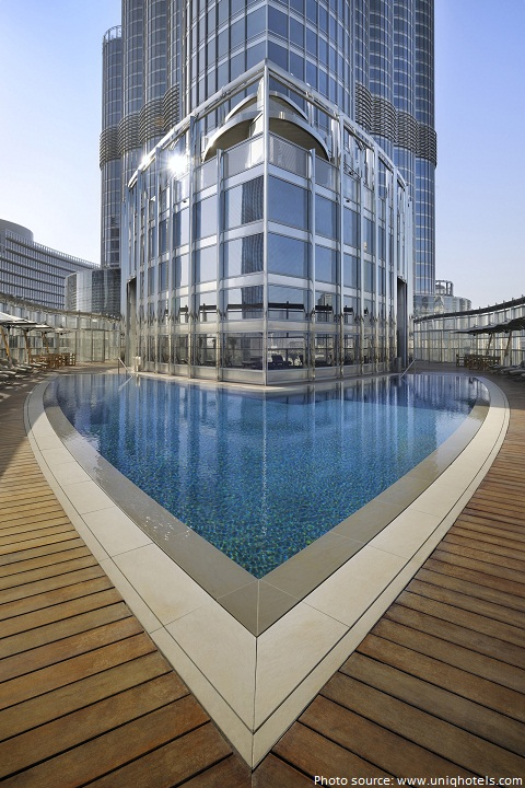 burj khalifa swimming pool