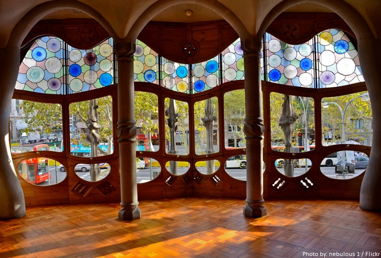 casa batllo interior windows