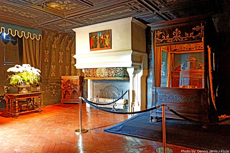Delightful Chateau De Chenonceau Louise De Lorraine Bedroom