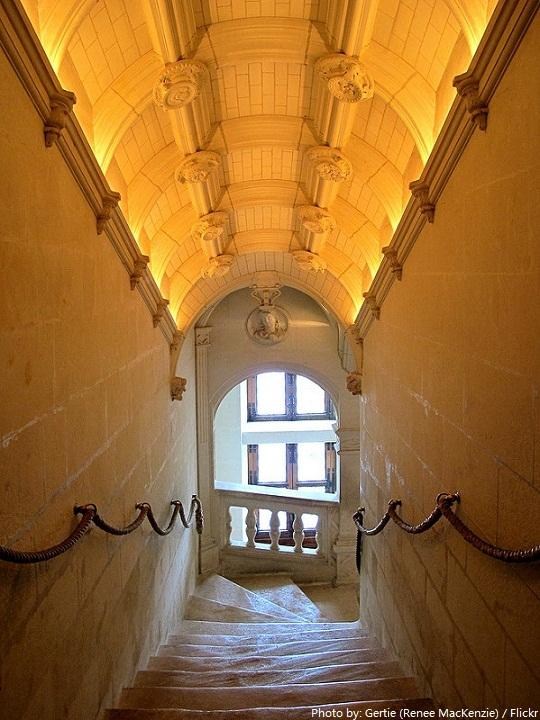 chateau de chenonceau staircase