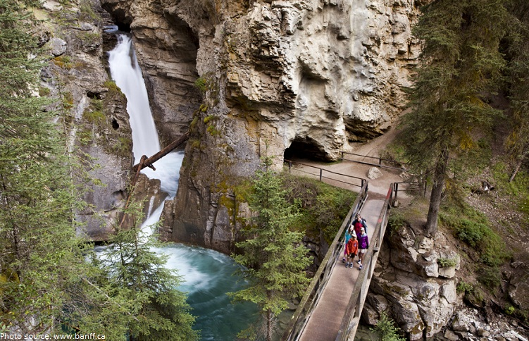 johnston canyon waterfall