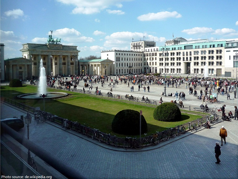 pariser platz brandenburger gate