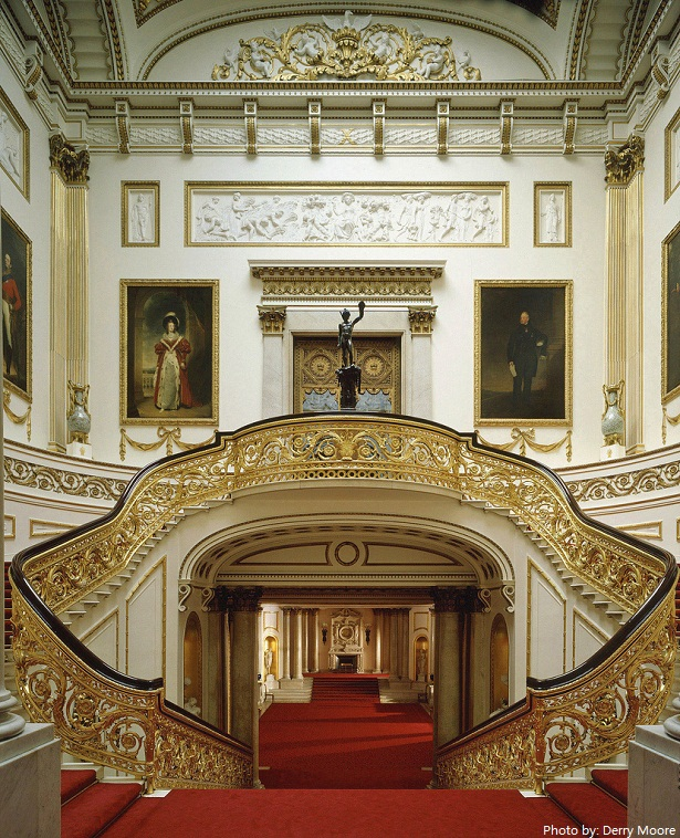 buckingham palace grand staircase