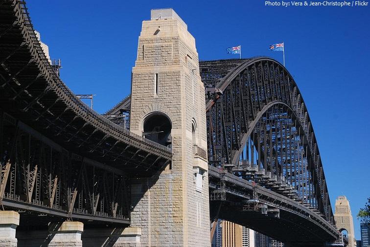 sydney harbour bridge pylons