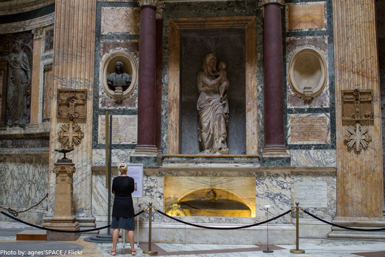 tomb of Raphael pantheon