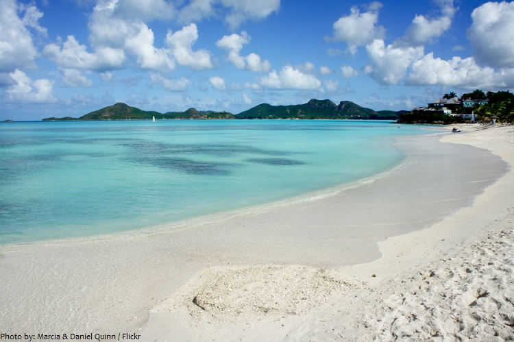 antigua and barbuda beach