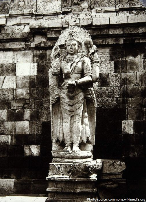 prambanan shiva statue