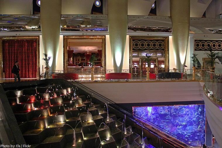 burj al arab lobby aquarium