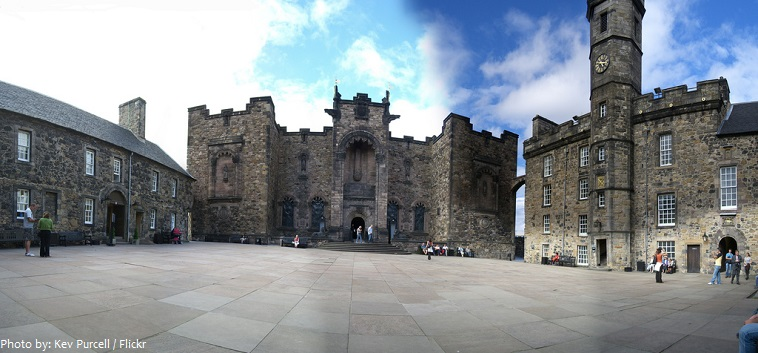 edinburgh castle crown square