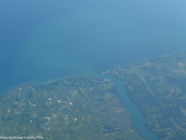 niagara river meets lake ontario