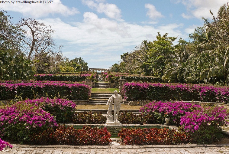 versailles gardens on paradise island
