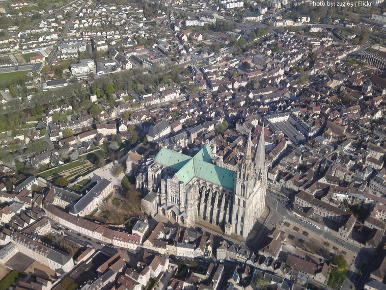 chartres cathedral aerial