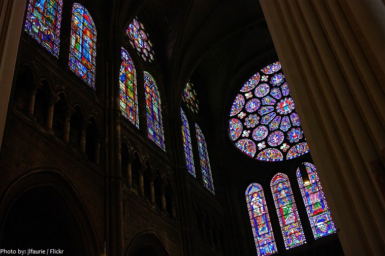chartres cathedral windows