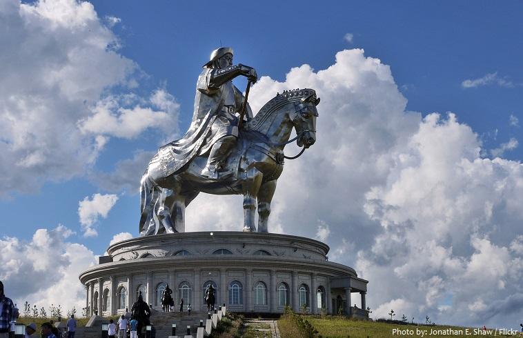 genghis khan rquestrian statue