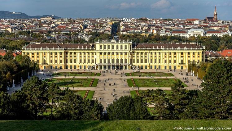 schönbrunn palace garden