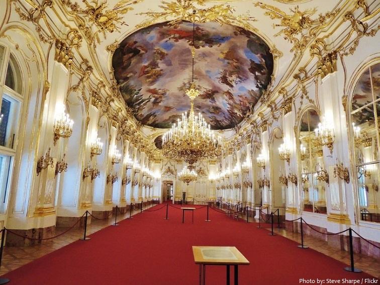 schönbrunn palace great gallery