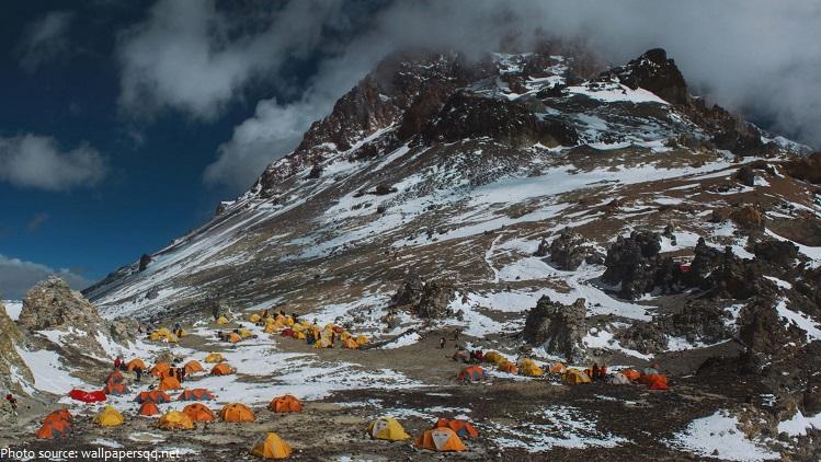 aconcagua camping tour climb