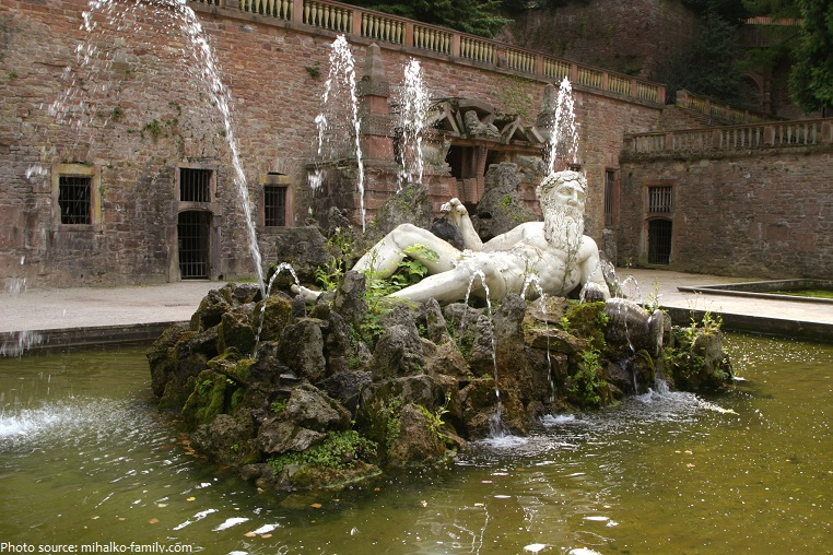 heidelberg castle fountain