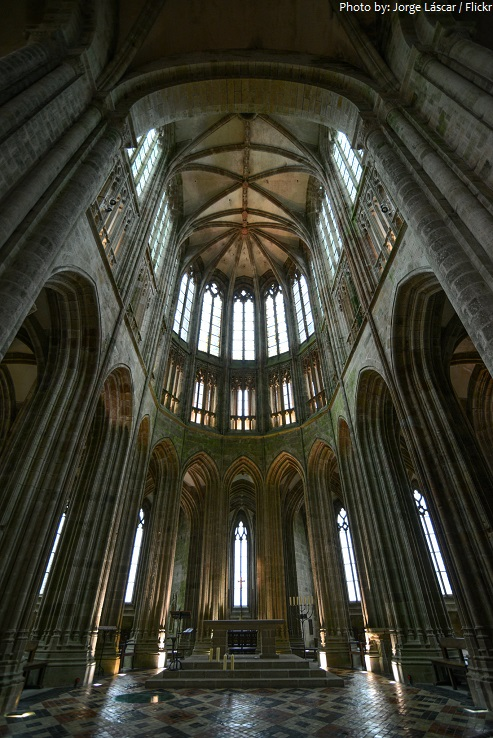 mont saint michel choir