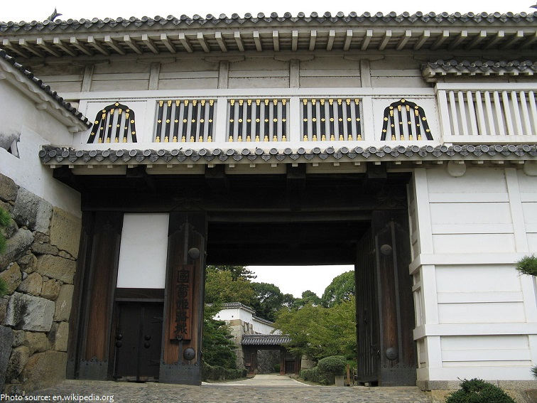 himeji castle gate