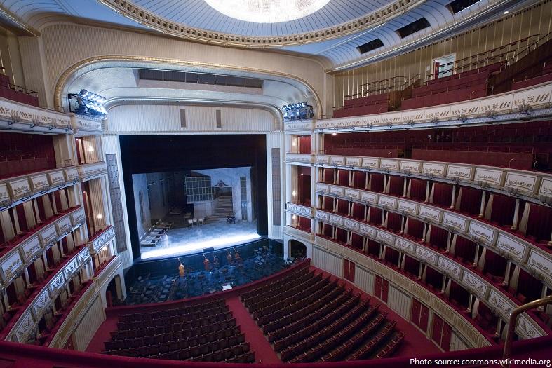 vienna state opera auditorium stage