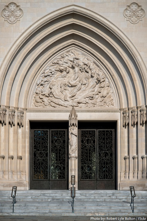 washington national cathedral entrance