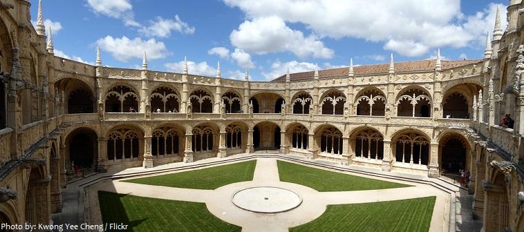 erónimos monastery cloister