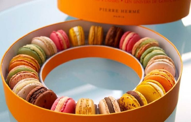 macaroons haute couture