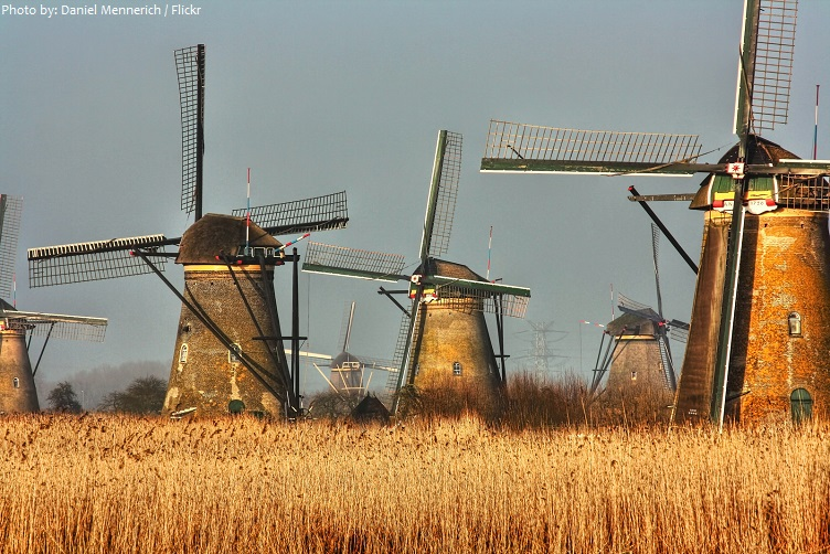 windmills-at-kinderdijk-2