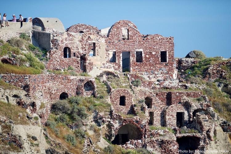 santorini castle
