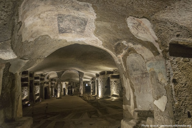 catacombs of san gennaro