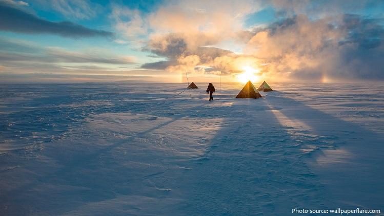 landscape tent snow