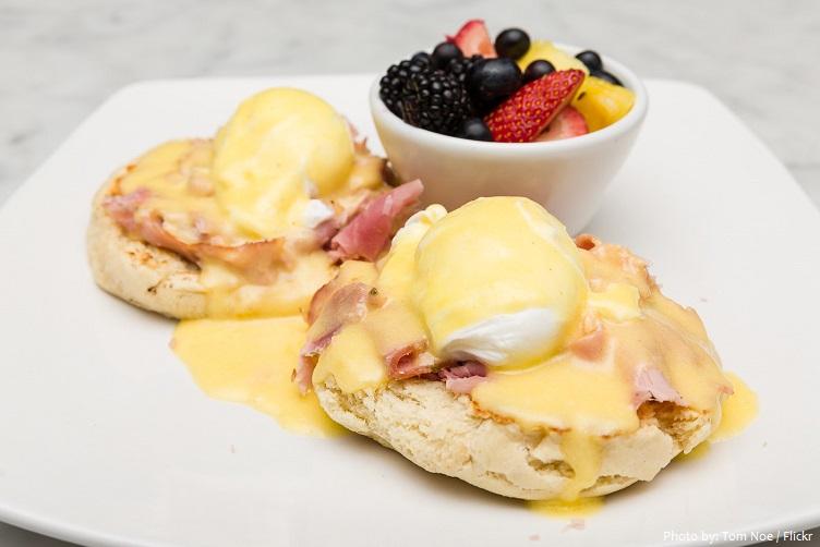 eggs-benedict-4